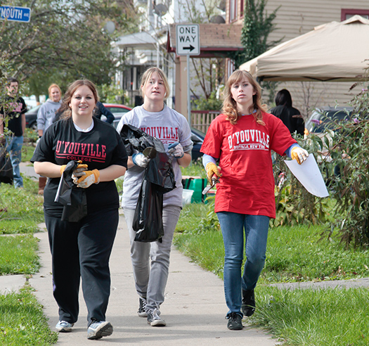 Students from DYC to Volunteer for West Side Cleanup Project