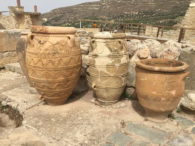 These huge, decorative pots at the palace were used to store liquids such as wine or oil.