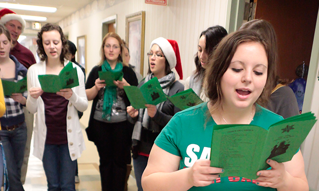 caroling at mary agnes manor